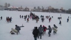 Russian police uses batons against protesters throwing snowballs