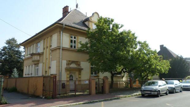 Tato nemovitost se rozkládá na 4 podlažích v obytné budově v klidné části Ostravy.