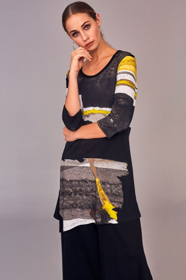 Print tunic €129 and wide leg culottes €129 by Naya