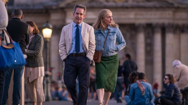Tom Hollander and Saskia Reeves in Us