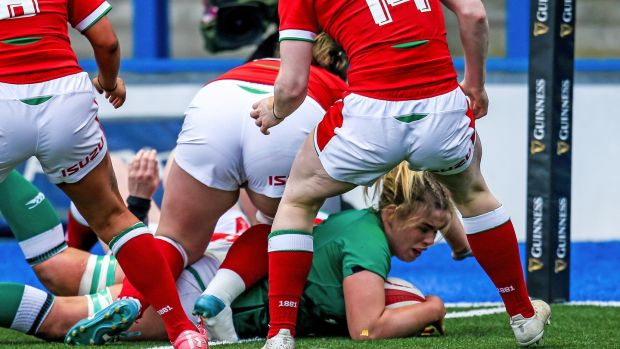 Dorothy Wall scores a try during Ireland's win over Wales. Photograph: Robbie Stephenson/Inpho