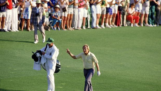Jack Nicklaus walks up the 18th fairway en route to victory at the 1986 Masters. Photograph: David Cannon/Allsport