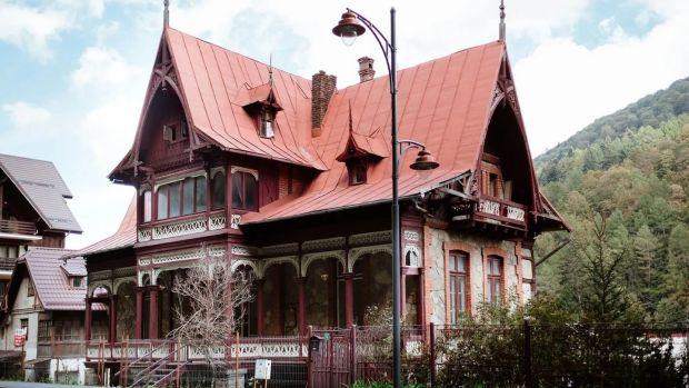 Casa cu cinci paturi din Praga este situată pe trei niveluri în Ferdinand P.L.T.