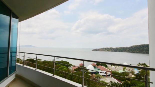 Ubicada en la Ciudad de Panamá, la propiedad cuenta con super suites de las principales habitaciones y terrazas del Océano Pacífico.