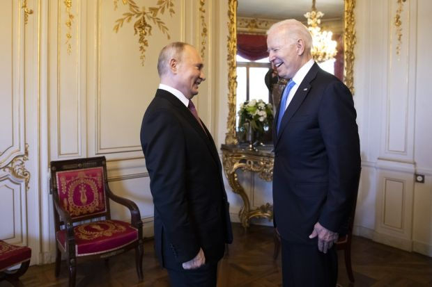 The two leaders speak at the villa La Grangein Geneva. Photograph: Peter Klaunzer/EPA