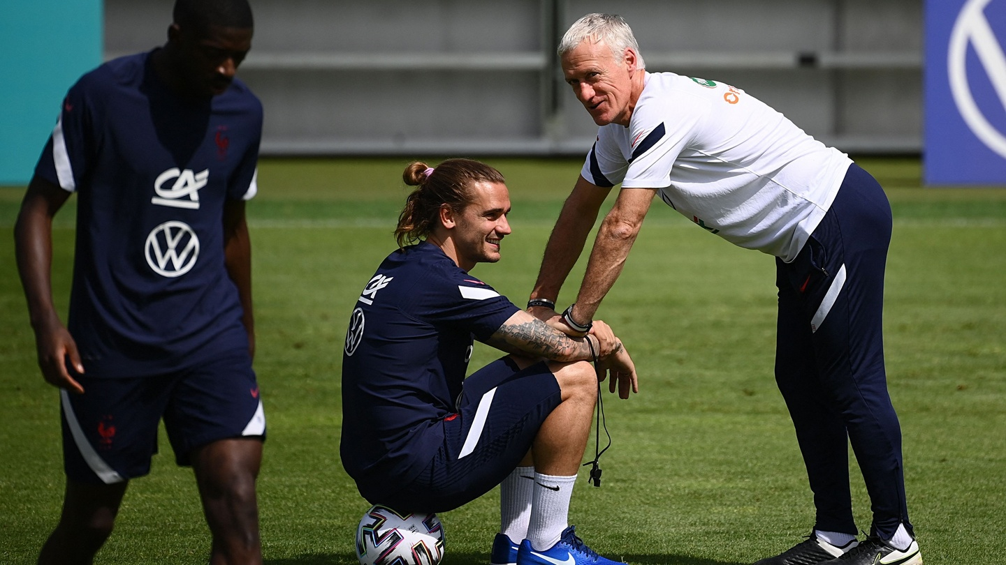 Didier Deschamps Hails Antoine Griezmann As One Of The All Time Greats