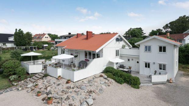 Această proprietate cu cinci paturi din Krebstat este aproape de sat și de mare.