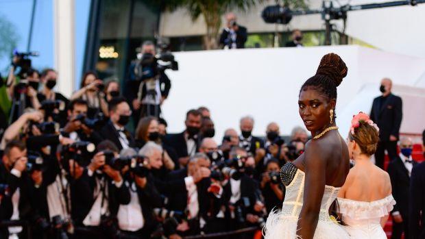 Jodie Turner-Smith arrive pour la projection de Stillwater au 74e Festival de Cannes.  Photographie: Caroline Blumberg/EPA