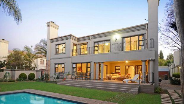 Esta propiedad de tres dormitorios en Santon se encuentra en un terreno de 0,2 acres en las instalaciones de cuatro propiedades.