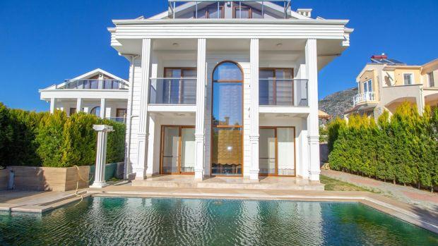 La villa en Oaxaca tiene una piscina privada de 40 metros cuadrados y una gran área diáfana que se abre a la terraza solar.
