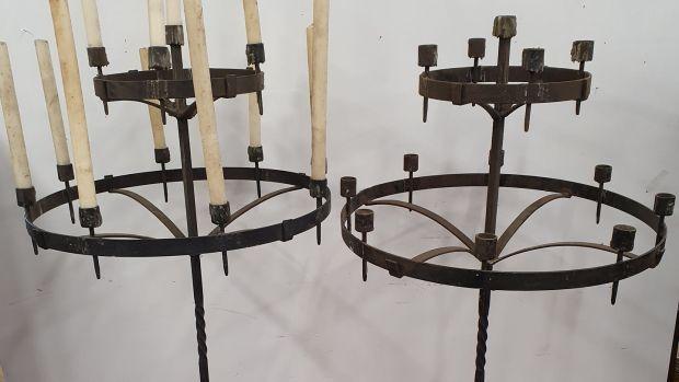 Les candélabres en métal de Game of Thrones sont estimés entre 400 et 800 € par Seán Eacrett.