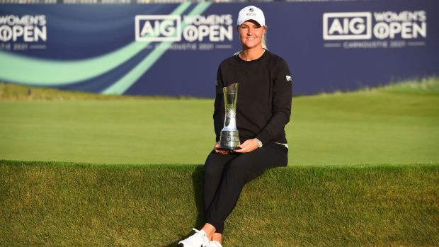 Sweden's Anna Nordqvist poses with the trophy after winning the Women's British Open.  Photo: Andy Buchanan / AFP via Getty Images