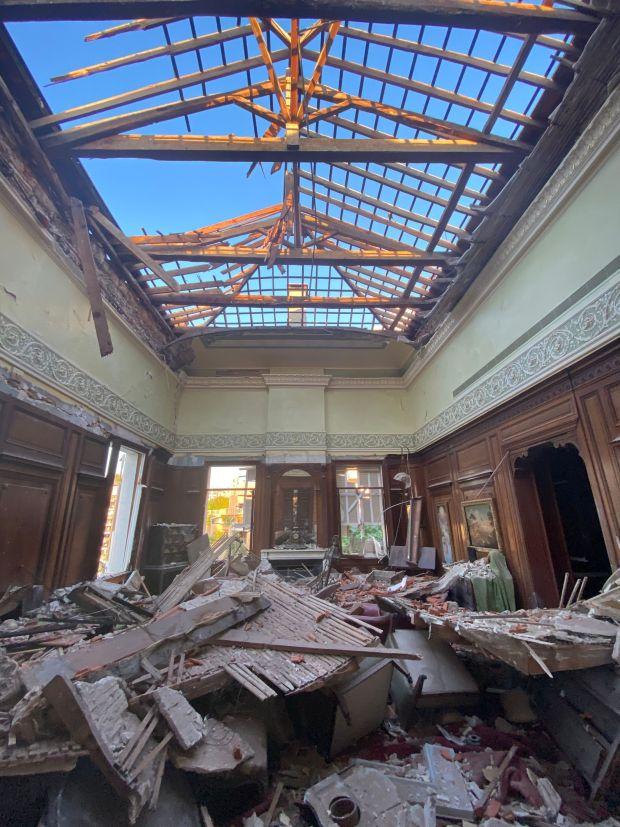 Sursock Palace, Beirut after the port explosion.  Photography: Ferrante Ferranti