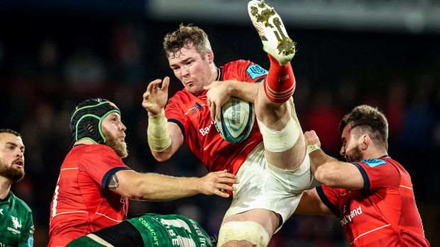 Peter O'Mahony catches a ball. Photo: Billy Stickland/Inpho